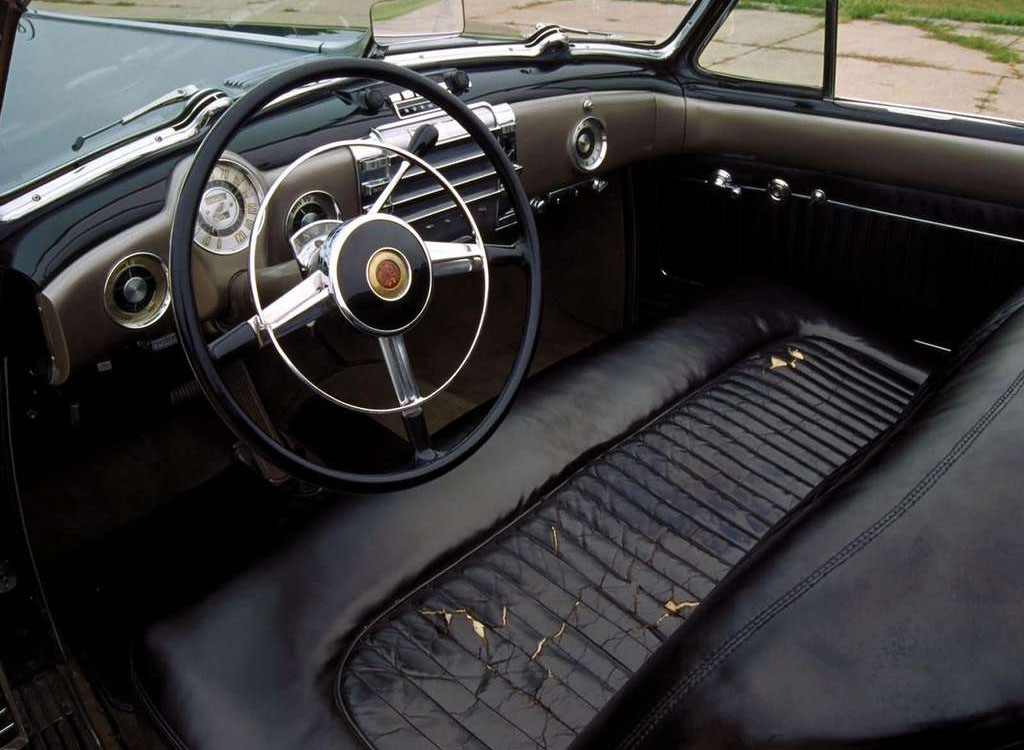 1938 Buick Y interior