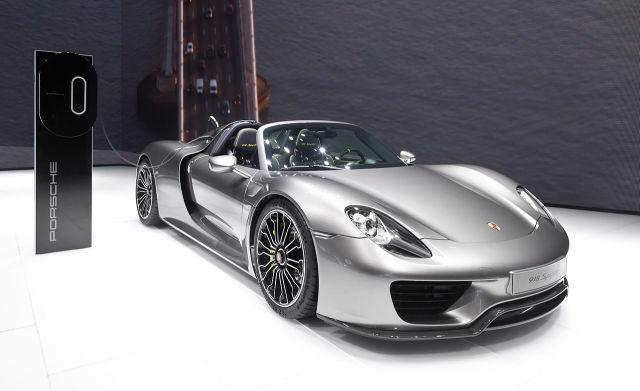 1280px-Porsche_918_Spyder_IAA_2013