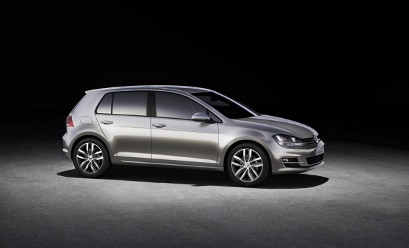 Volkswagen Golf 7 Highline side view