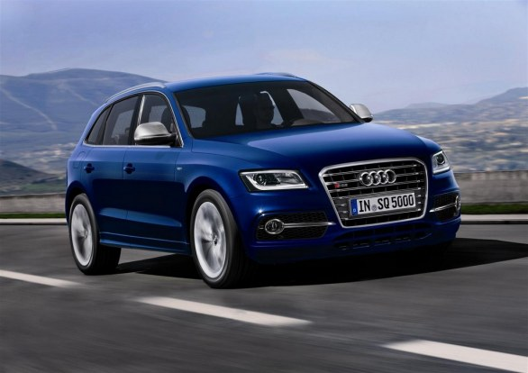 Audi SQ5 Front View