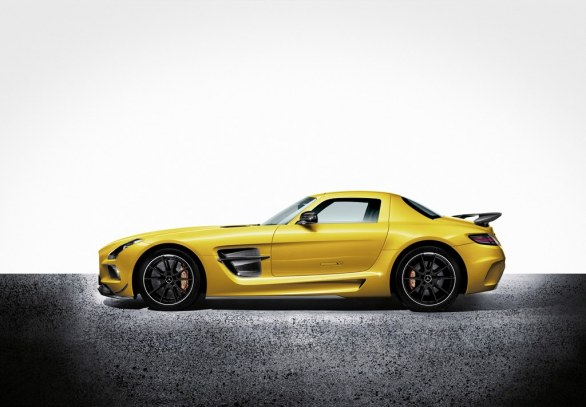 Mercedes SLS AMG Coupé Yellow Side View