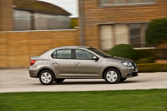 Renault Symbol Side View