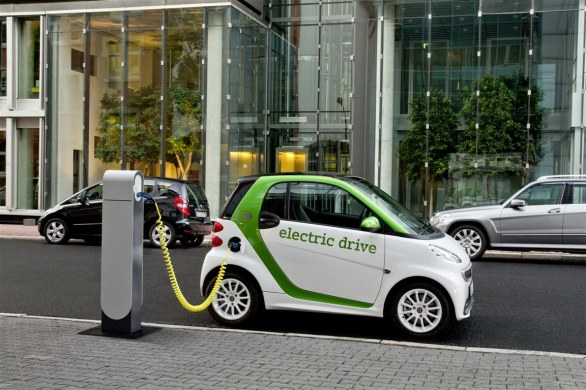 Smart fortwo charging