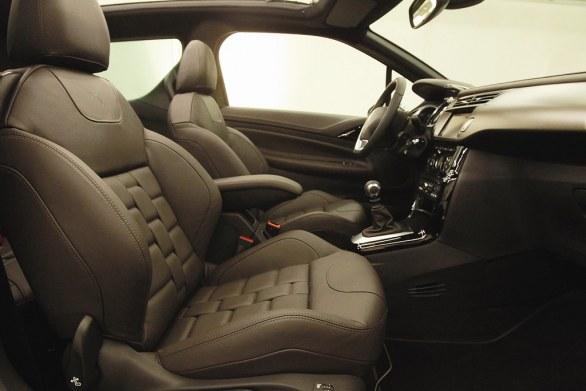 Citroen DS3 Cabrio L'Uomo Vogue Interior
