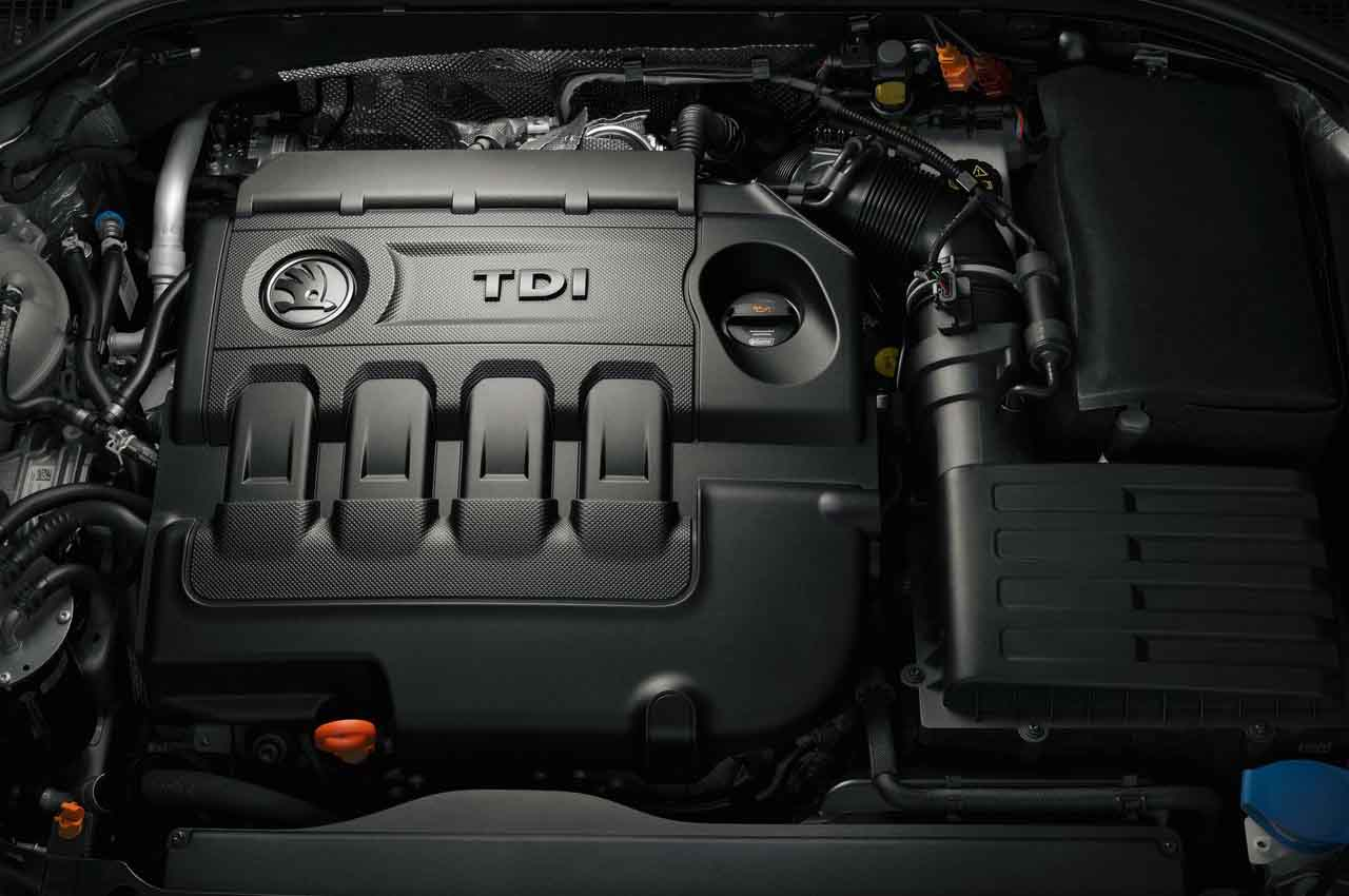 Skoda Octavia MY 2013 engine