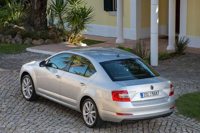 Skoda Octavia MY 2013 rear view