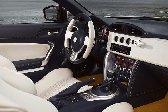 Toyota GT 86 Open Concept interior