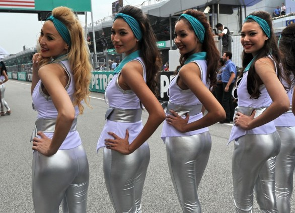 grid-girl-gallery-candid-mom-and