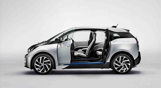 BMW i3 open doors