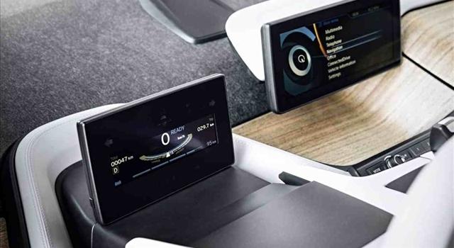 BMW i3 screens