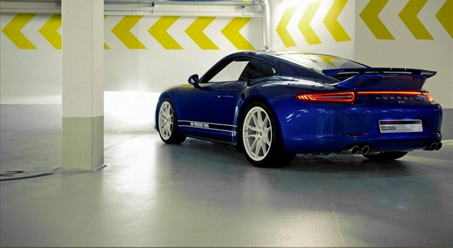 Porsche 911 Facebook Rear View