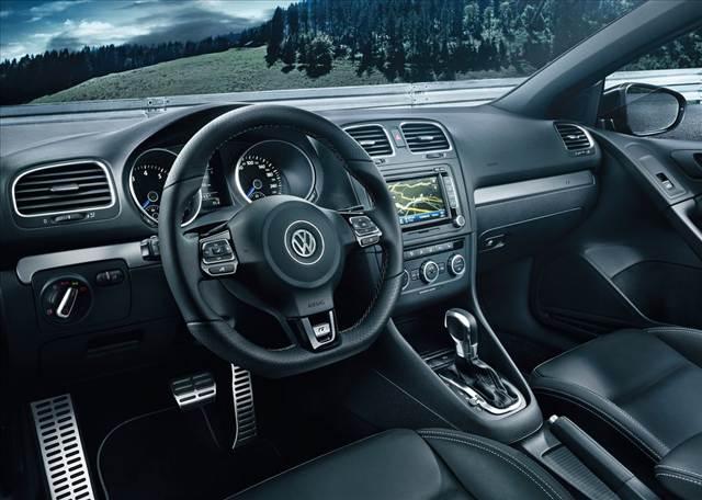 Volkswagen Golf R 300 CV Interior