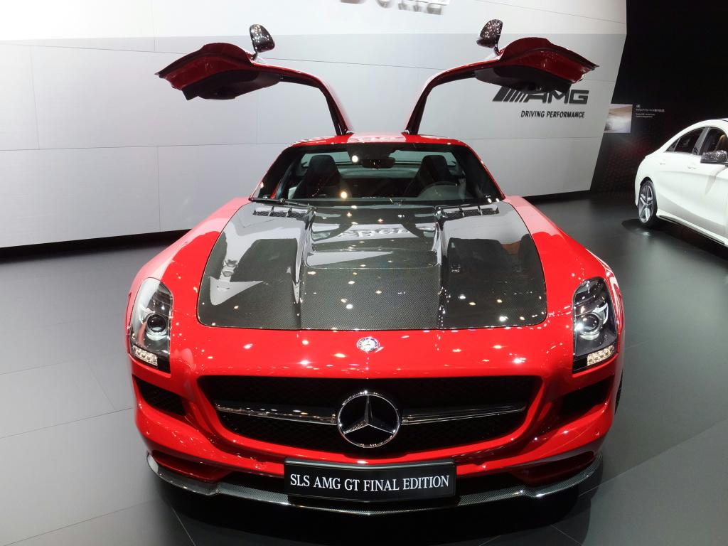 Mercedes-Benz,_SLS_AMG_GT_FINAL_EDITION_at_TMS2013