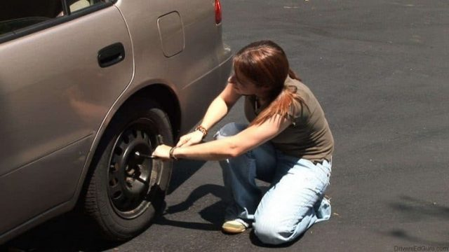 changing-tire